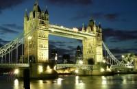 london-bridge-evening-river-city-landscape-768x1366