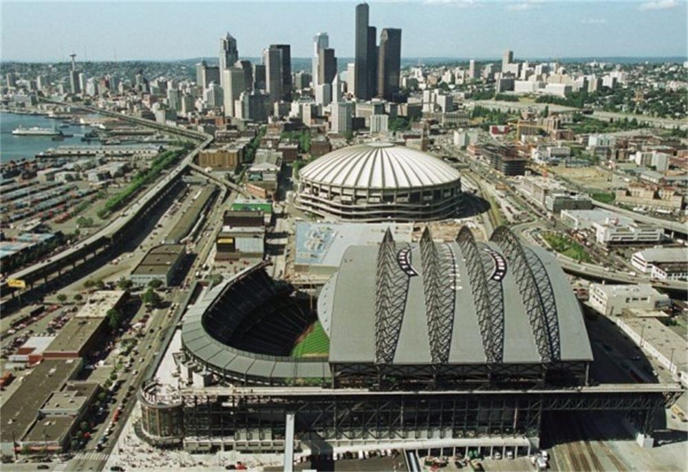 Retractable Roof Stadiums: Fans Love Them But At What Cost ...