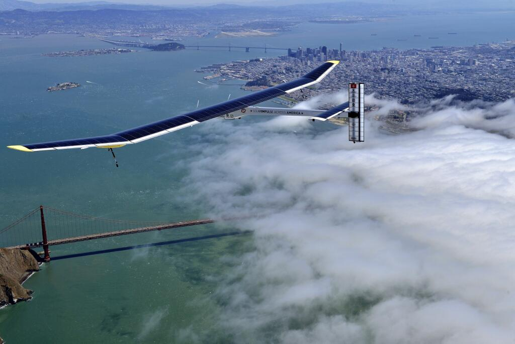 Solar Powered Plane Begins Its Journey Across The USA