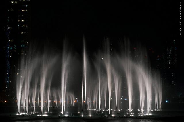 Burj Kahlifa Lake Fountains