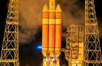 Delta IV Heavy rocket on launch pad (Image Courtesy http://commons.wikimedia.org/)
