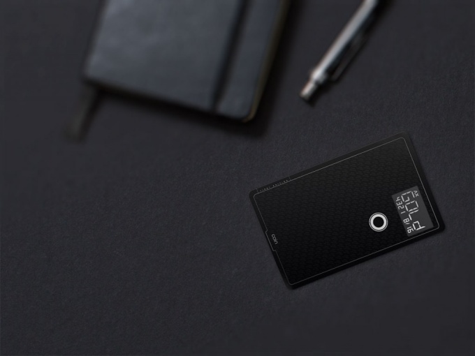 Universal High-Tech Card Controls All of Your Credit and Debit Cards