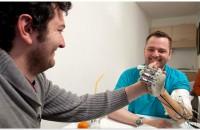 Dennis Sorensen senses touch for the first time in 9 years. Photo © Università Campus Bio-Medico di Roma