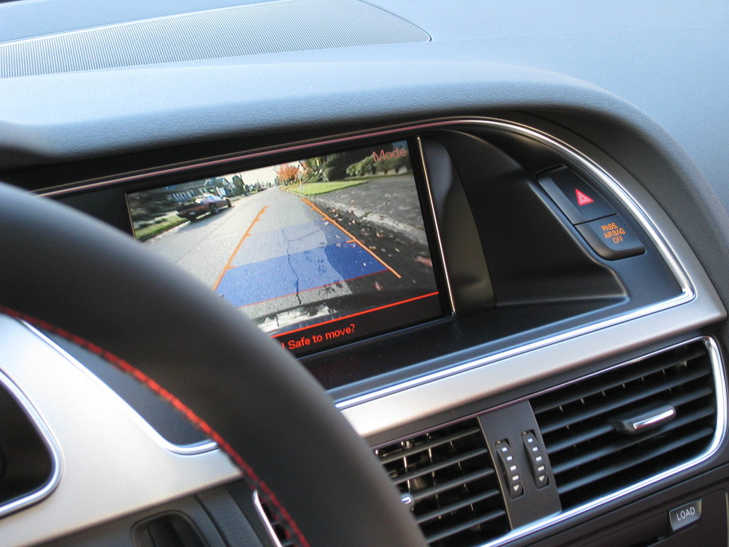 New Cars Required to Have Rearview Cameras by 2018