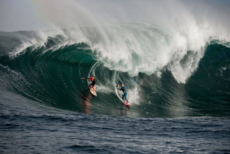taj-burrow-and-mark-Mathews-big-waves