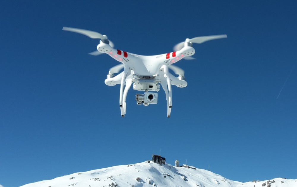 Commercial Drone Market: DJI_Phantom_2_Vision+_V3_hovering_over_Weissfluhjoch