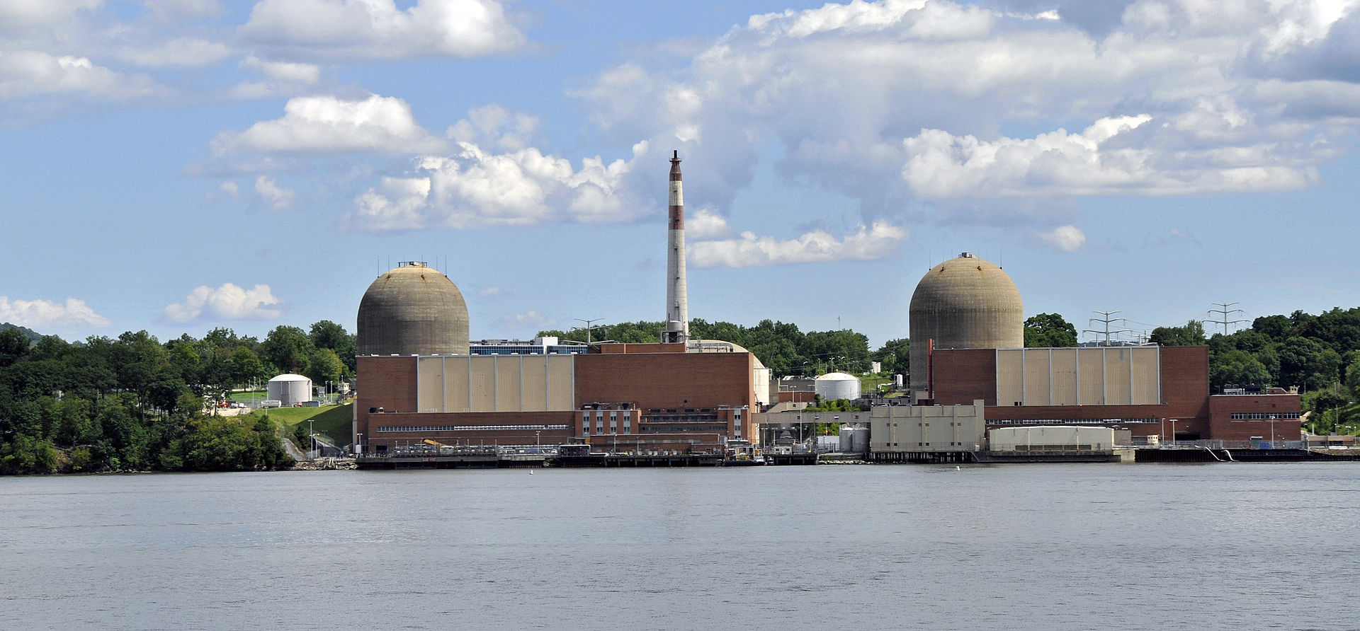 Radioactive leak at indian point nuclear plant is it a disaster waiting to happen