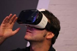 Samsung Combines Occulus & Smartphones for Great VR
