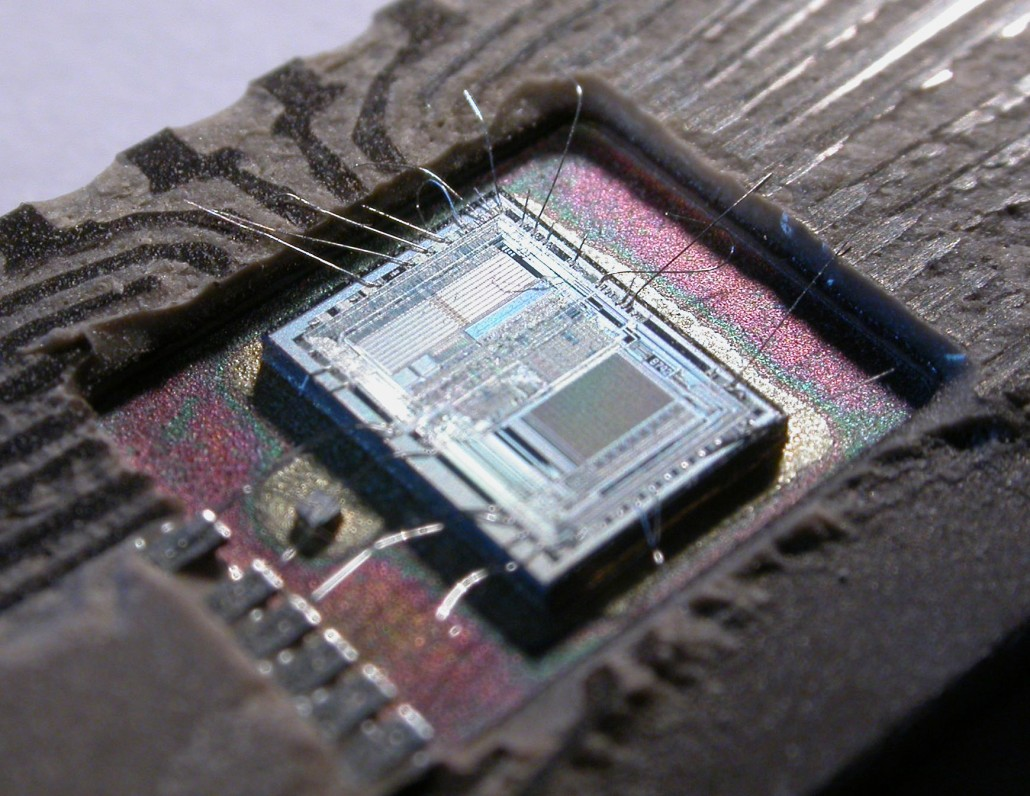 Microcontroller-Integrated_Circuit