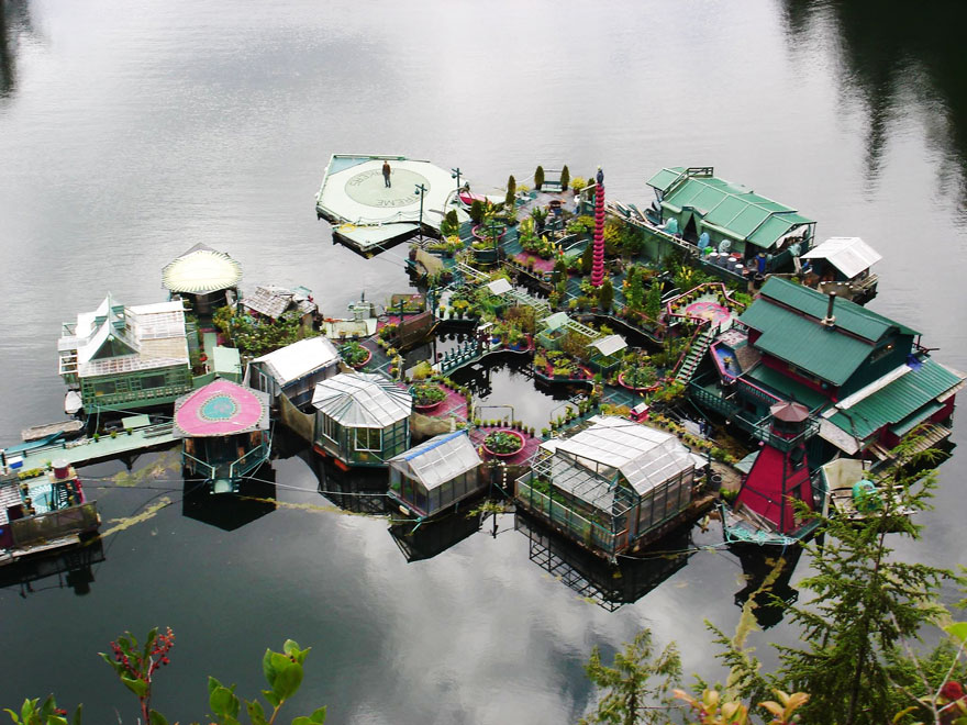 """Canadian Couple Creates """"Freedom Cove"""" Floating Compound"""
