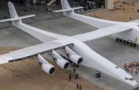 World's largest airplane - Stratolaunch
