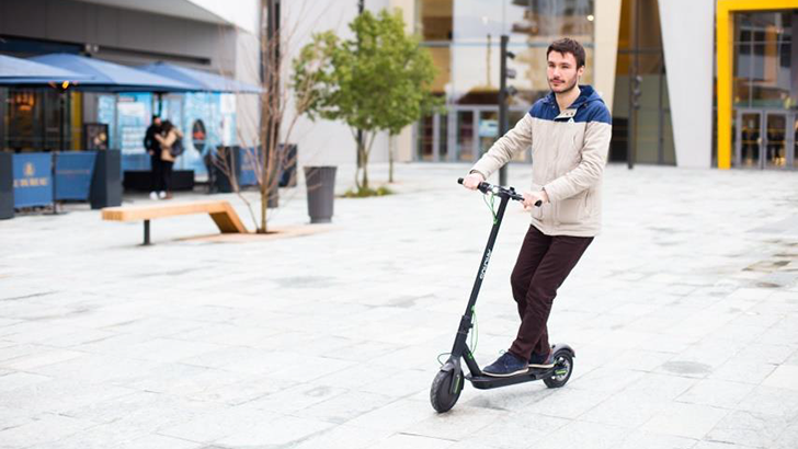 Archos Unveils the World's First Android-Powered Scooter