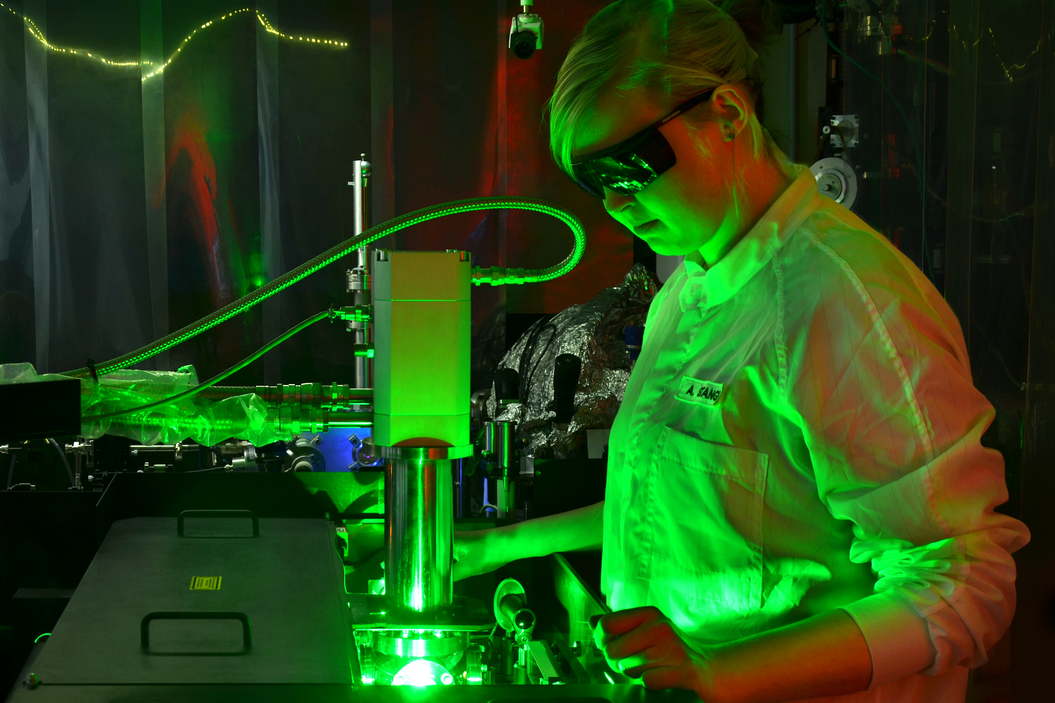 With the ultrafast system in the Physics Centre at the CAU, the behaviour of electrons can be filmed live.