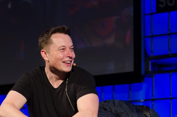 Elon Musk Is 'Highly Confident' Spacex Will Land Humans On Mars In Coming Six Years