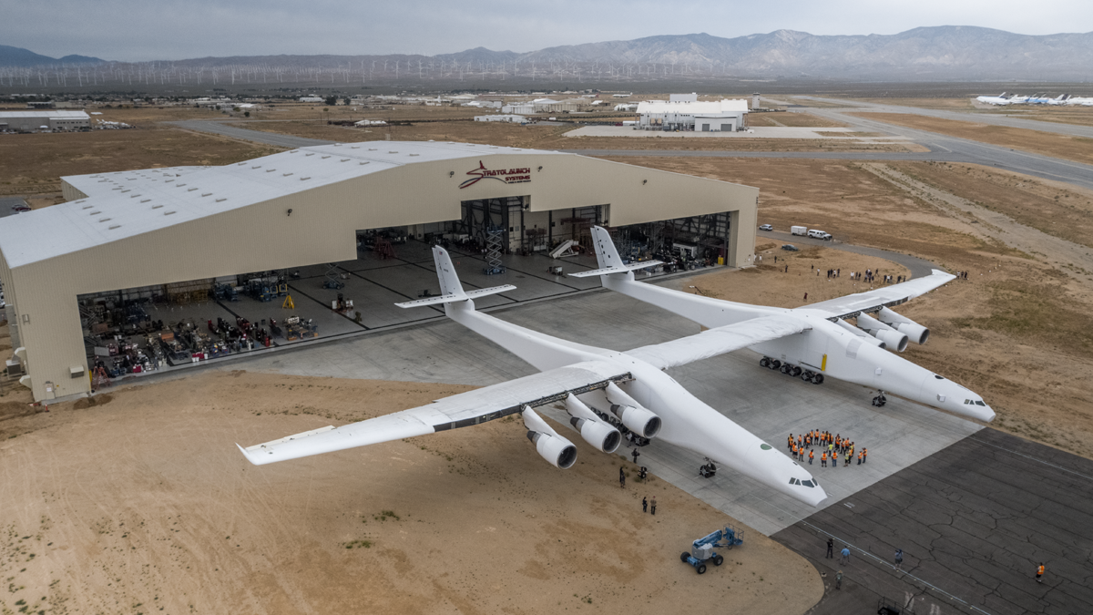 Stratolaunch: The World's Biggest Plane Flies for The First Time