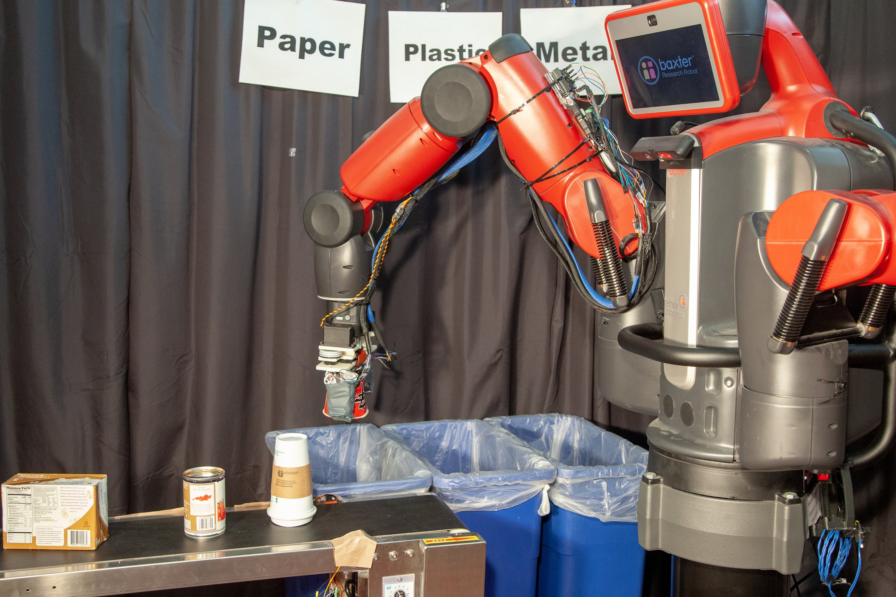 MIT's Recycling Robot 'Rocycle' Can Detect Paper, Plastic, and Metal By Touch