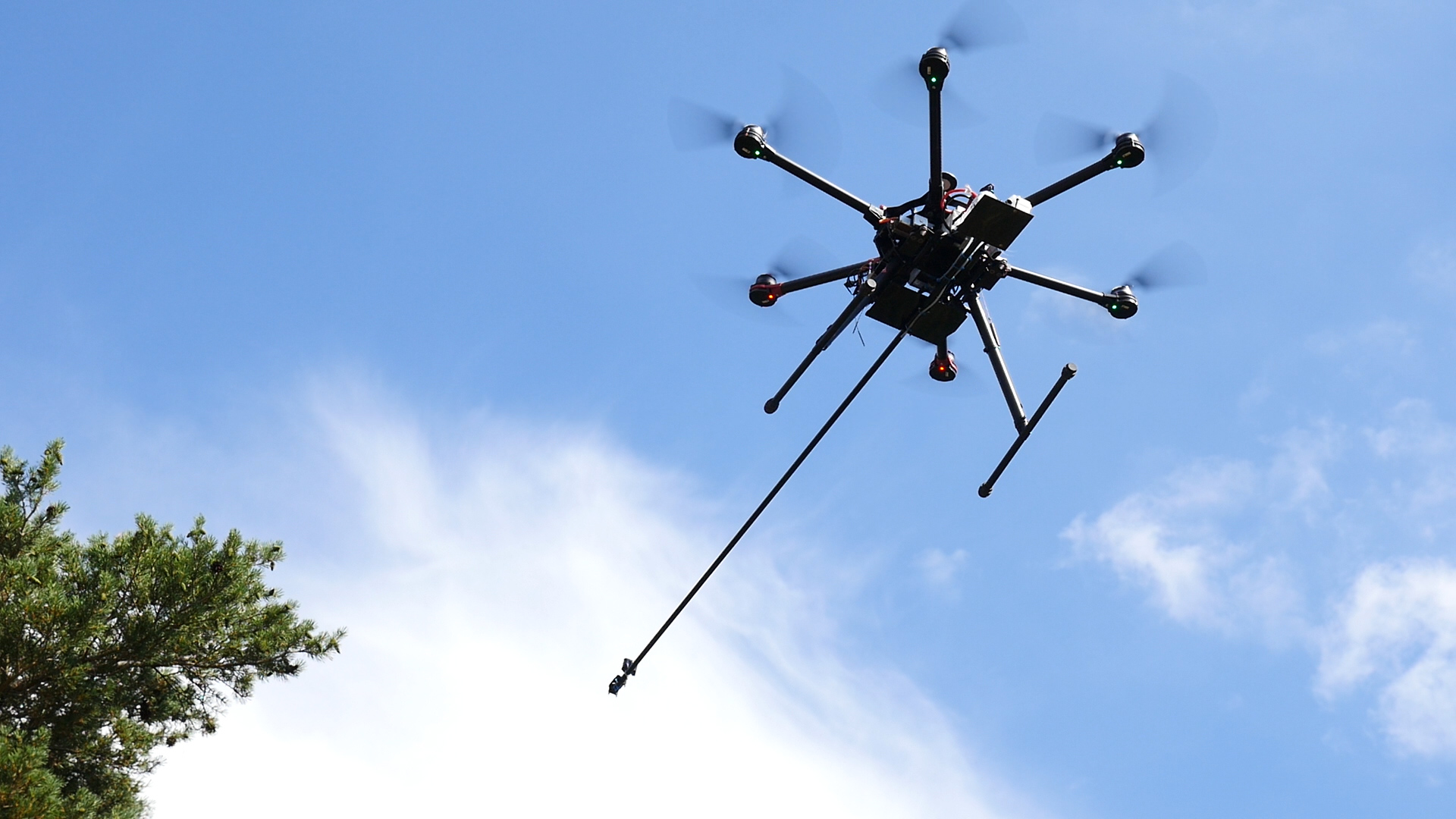 igus Linear Guides Help Drones Keep Pests at Bay
