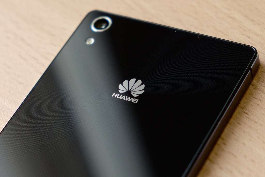 Huawei Shipped One Million Smartphones with Its New OS