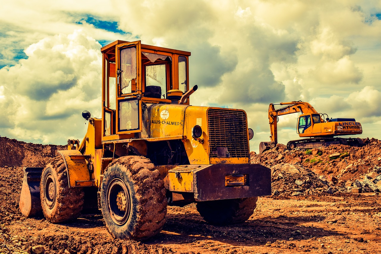 3 Common Types of Construction Equipment Required in a Worksite
