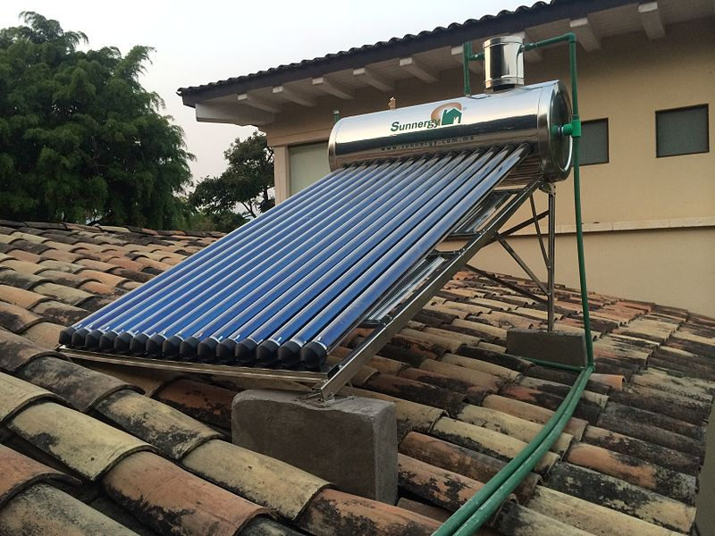 8-Year-Old Mexican Girl Made A Solar Heater From Recycled Objects