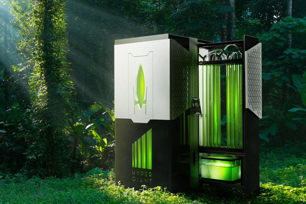 This Algae Bioreactor Can Swallow as Much Carbon as an Acre of Trees