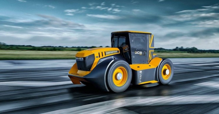 JCB's Fastrac Hits 218kph to Break Guinness World Record