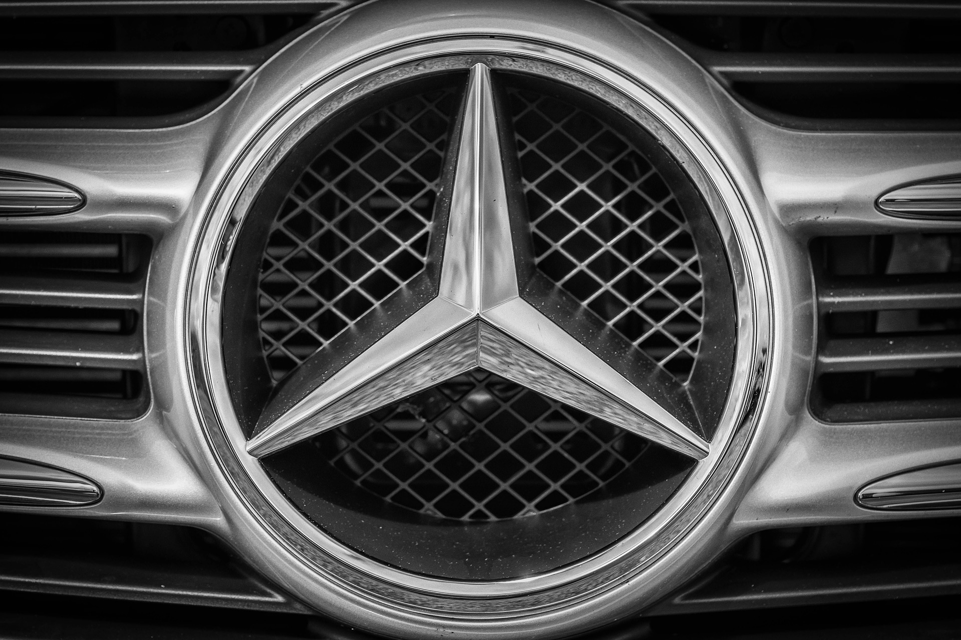 Mercedez Doesn't Believe in a Synthetic Fuel Future