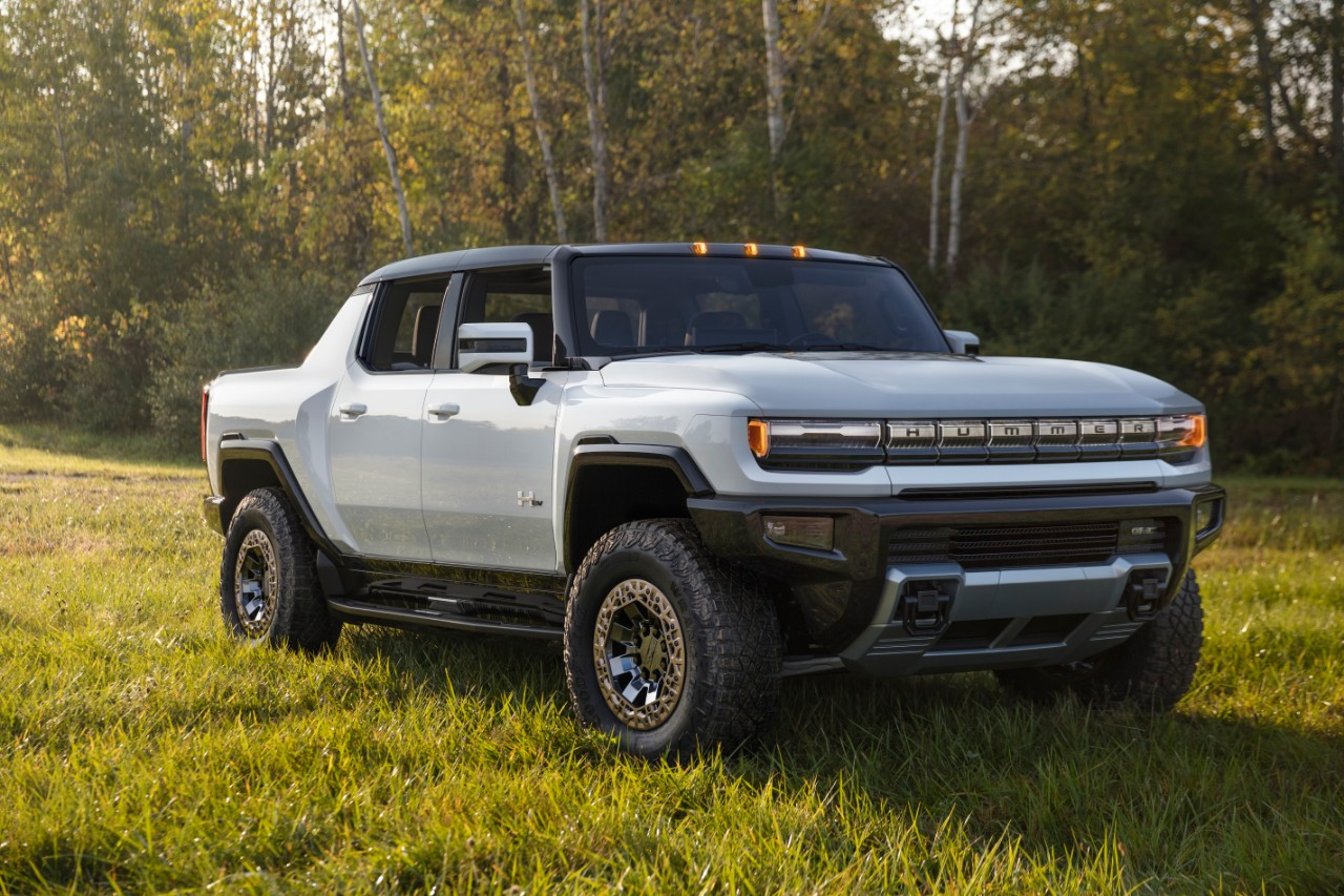 General Motors Announces the GMC Hummer EV, an Electric Pickup Truck with 1000 HP