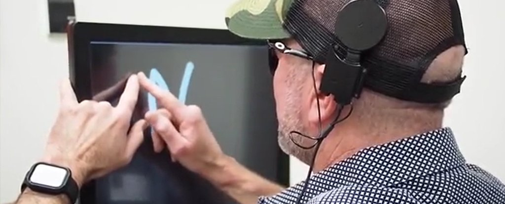 "Brain Implant Allows Blind People to ""See"" Letters"