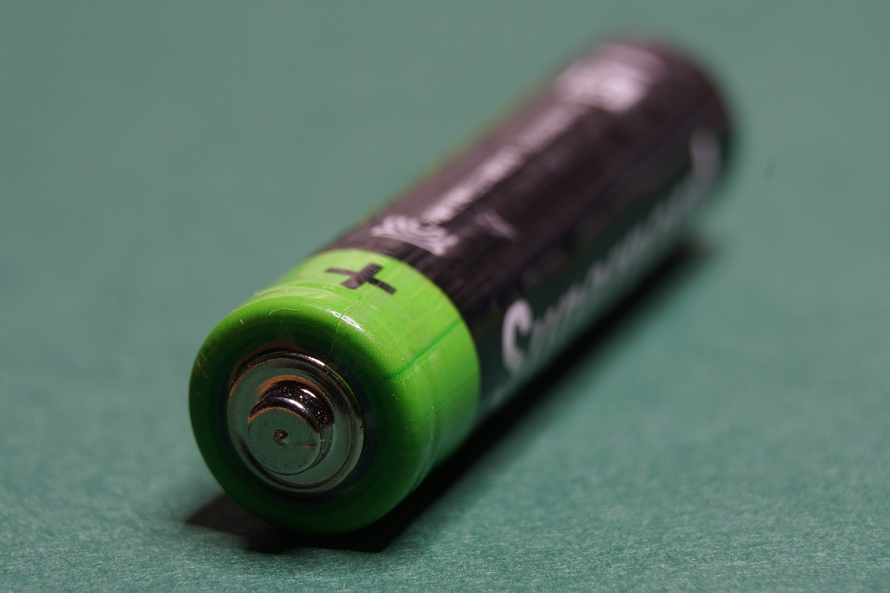 New Ultralight Battery Could Bring the Breakthrough Electric Planes Were Waiting for