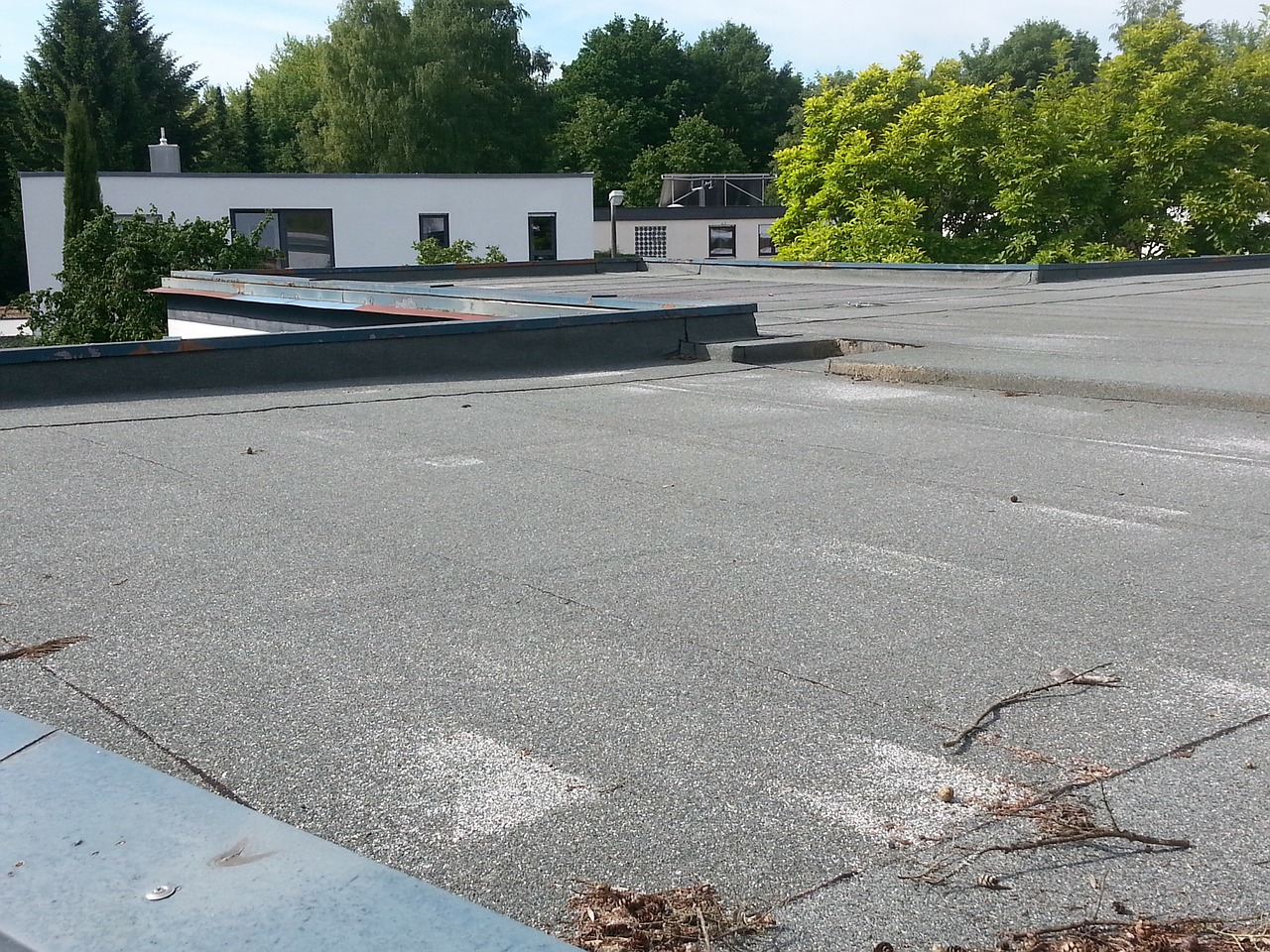 How to Solve the Top 4 Most Common Flat Roof Problems