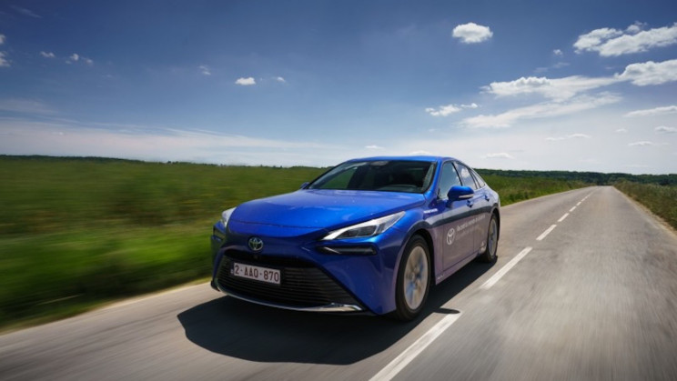 Toyota Mirai Sets World Record Covering Over 1,000 Km with One Fill Of Hydrogen