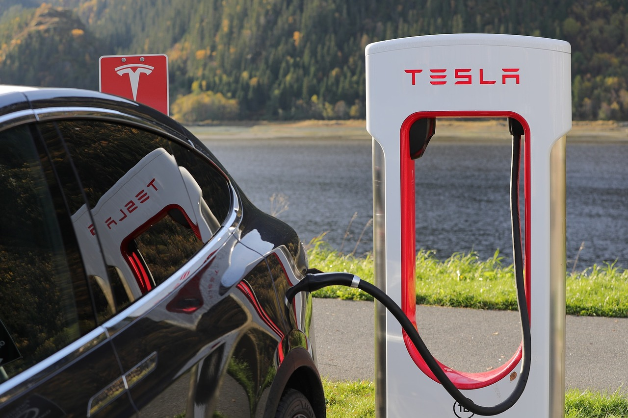 Tesla Promises to Open Up Access to its Charging Network for Rival EVs