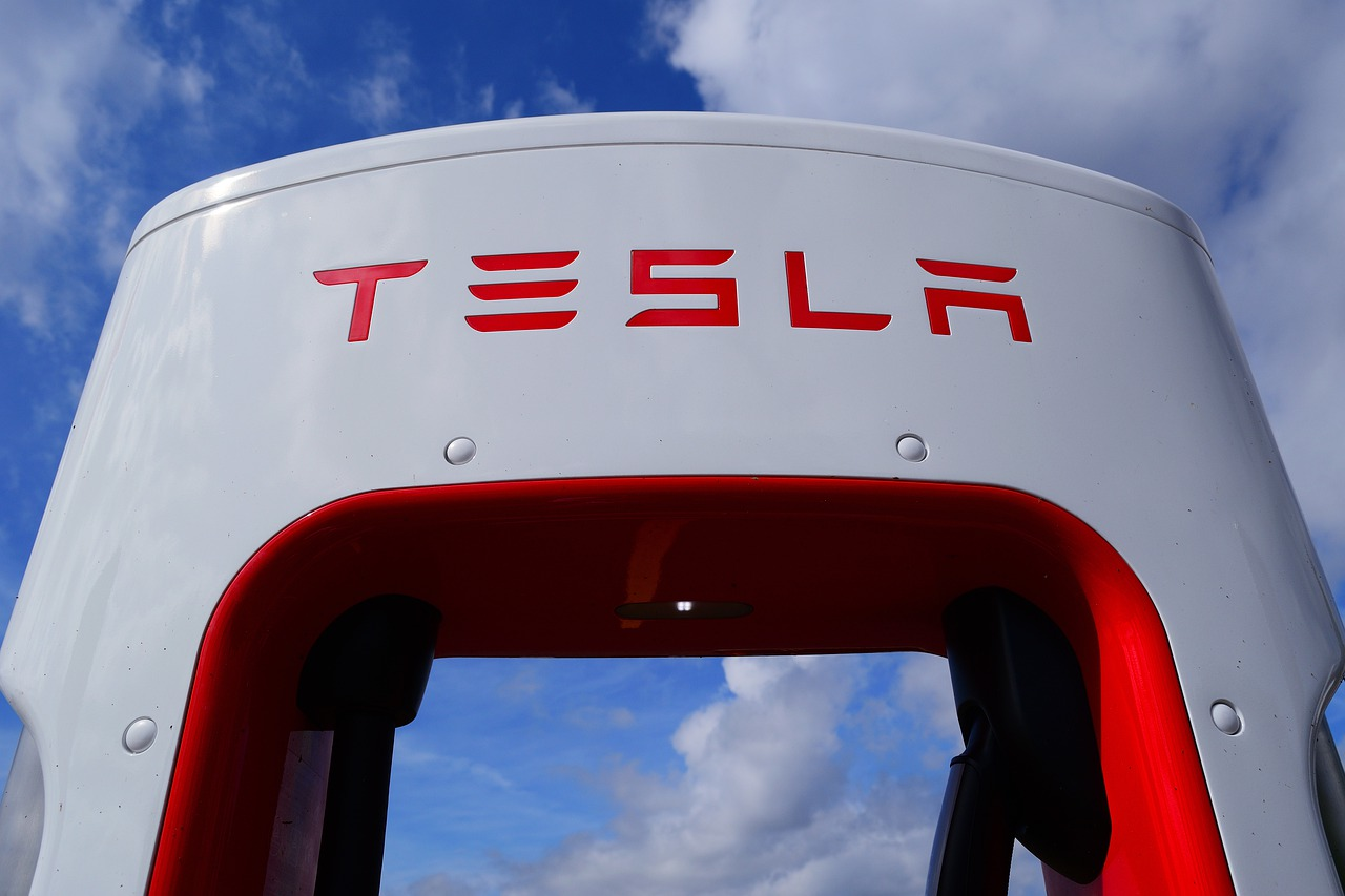 State of California Calls Tesla Powerwall Owners to Help Balance the Grid