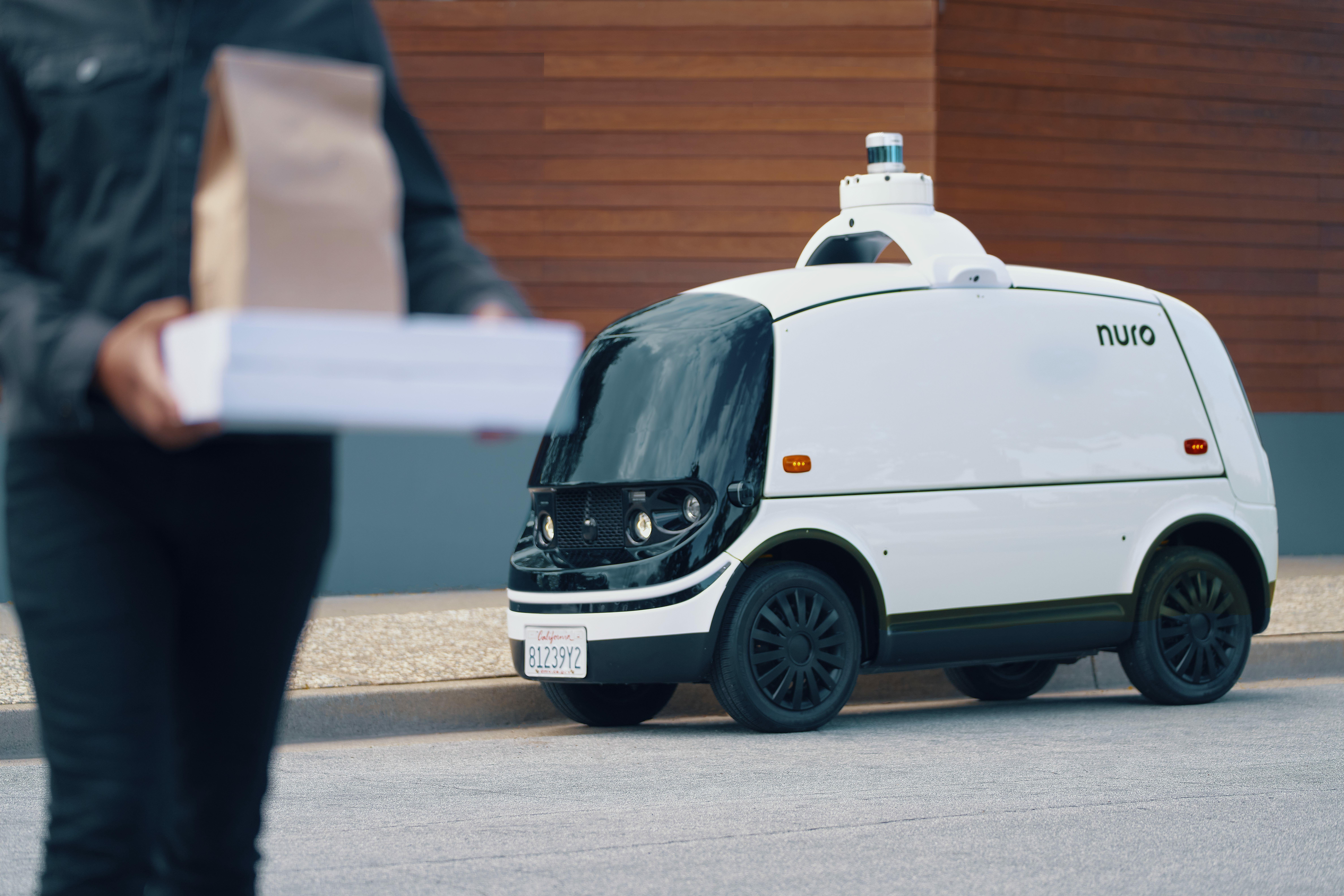 Nuro R2 Delivery car
